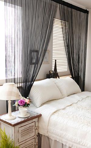 Нитевые шторы в спальне