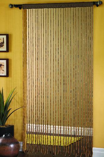 Зачем бамбуковые шторы на дверь